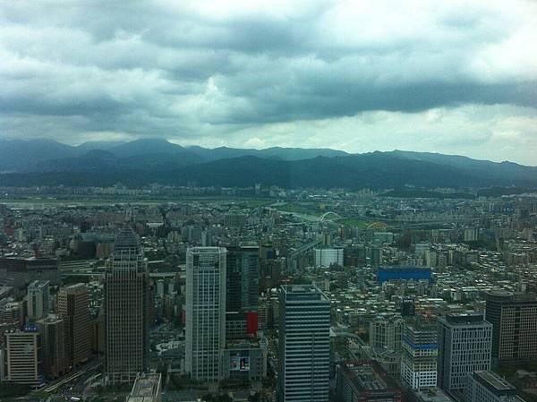 松山機場和大直方向