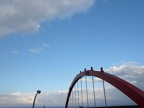 雲中的一片藍天