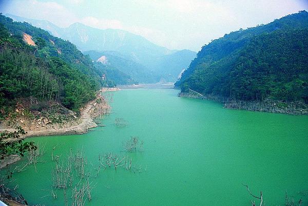 雲林草嶺湖