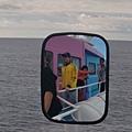 船上的後照鏡自拍