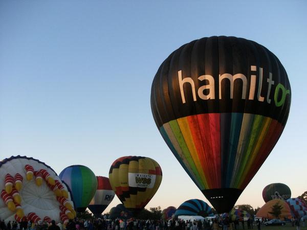 WAIKATO區一年一度的熱氣球節今年10歲囉!!.JPG