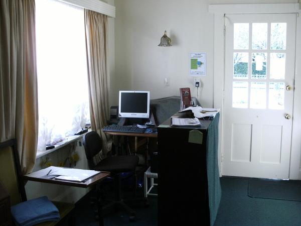 而這裡就是我們的小小小櫃臺~完全走實用路線~無特殊裝飾