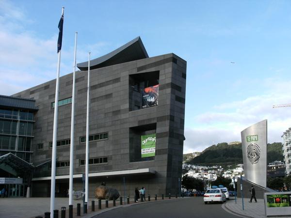 TE PAPA博物館可是全紐西蘭最大的博物館~也是紐西蘭的國家博物館喔!是來紐西蘭必經朝聖地之一.JPG