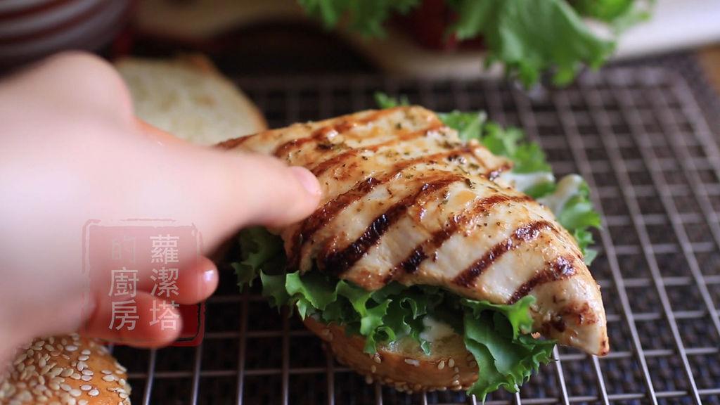 雞胸肉漢堡06.jpg