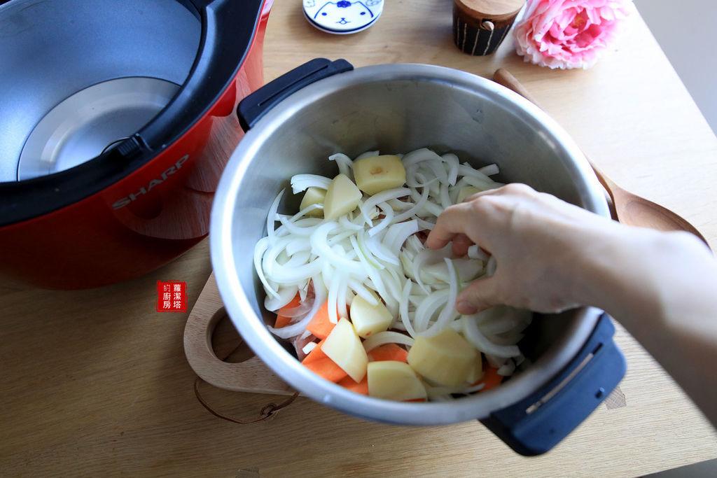 馬鈴薯燉肉04.jpg