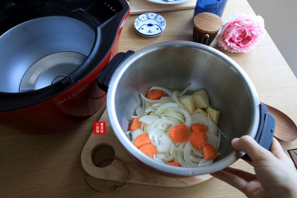馬鈴薯燉肉02.jpg