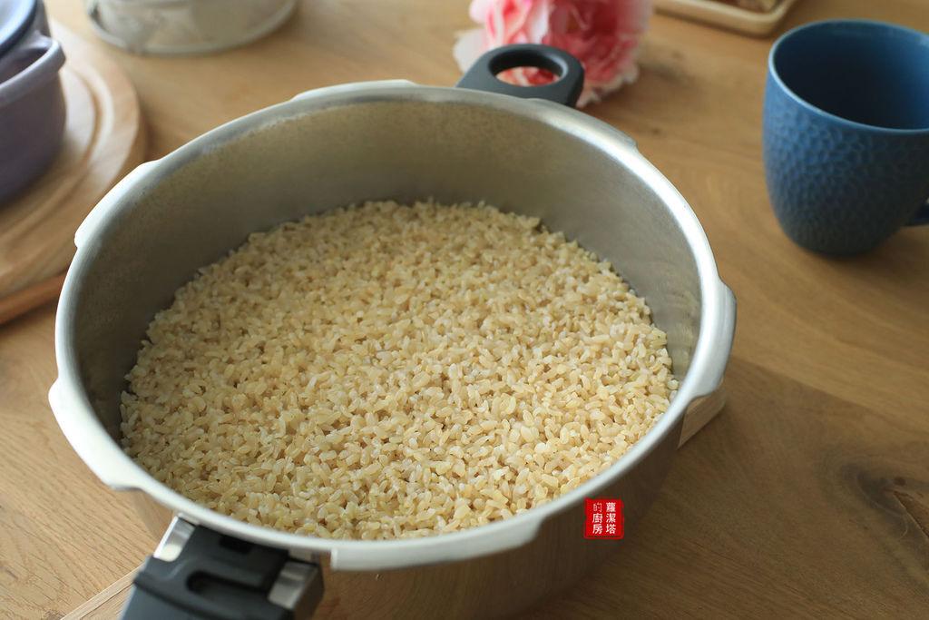 煮糙米飯01.jpg
