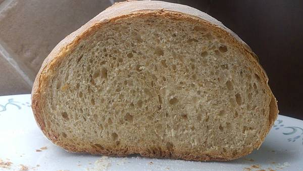 154491921a395e-蕃茄羅勒麵包切面.jpg