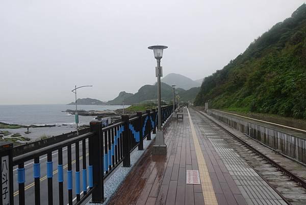 1051121八斗子車站(3).JPG