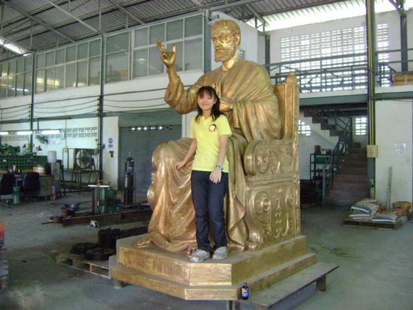 在一個客戶工廠裡[我&神祀銅像]