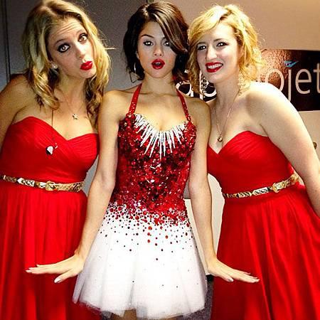 Selena-Jingle-ball.jpg