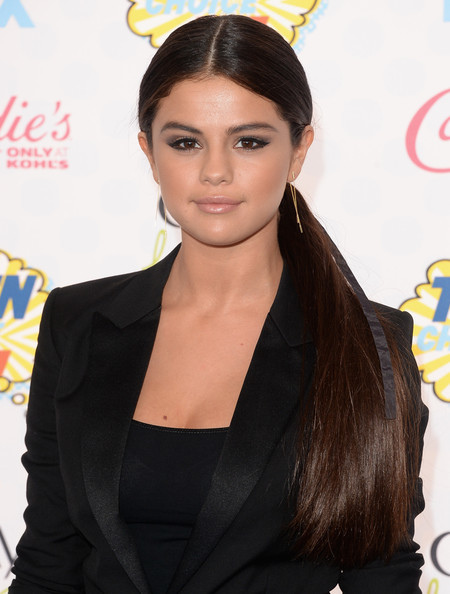 Selena+Gomez+Arrivals+Teen+Choice+Awards+vJ_qx5R7BOvl