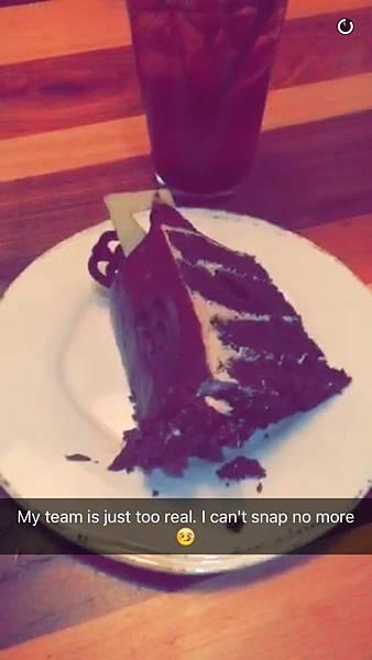 [20160608] Selena via her Snapchat (19)