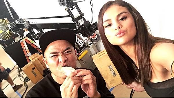 [170320] Selena via her Instagram Story (4).jpg
