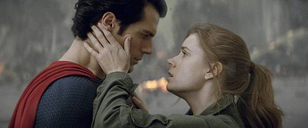 man-of-steel-henry-cavill-as-superman-and-amy-adams-as-lois-lane