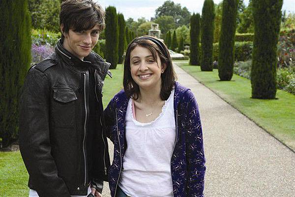 Angus_Thongs_and_Perfect_Snogging_21063_Medium