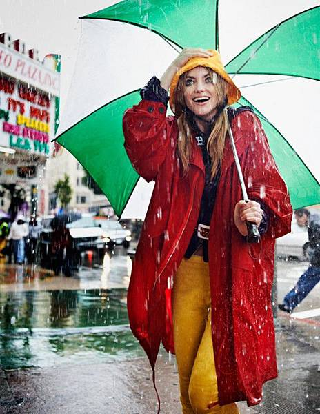 Elyse-Saunders-by-David-Burton-Rain-Girl-Elle-Italia-April-2011-5-e1302723879278