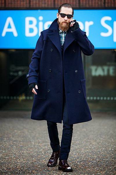 guy-calling-mens-winter-fashion-6