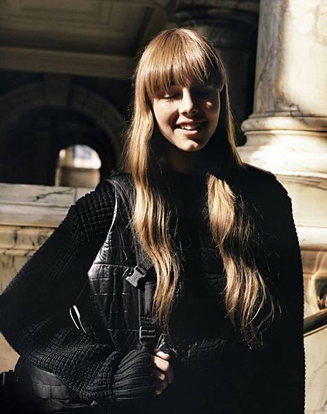 Edie-Campbell-Alasdair-McLellan9