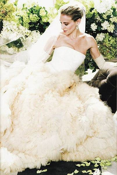 carrie-bradshaw-wedding-dress-vera-wang