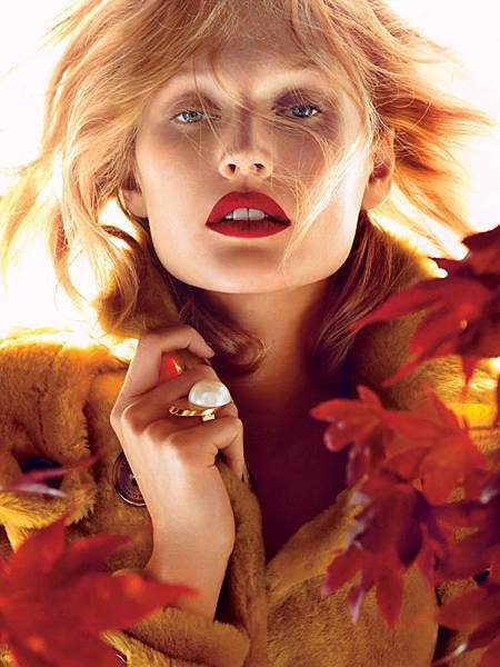 toni-garrn-by-camilla-akrans-for-allure-magazine-november-2014
