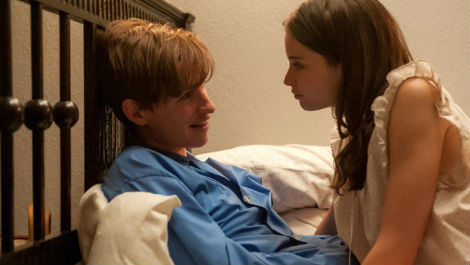 eddie-redmayne-stars-in-new-trailer-for-the-theory-of-everything-watch-now-168329-a-1412230252-470-75