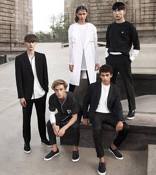 DKNY-Spring-2015-Gregory-Harris-12-620x695