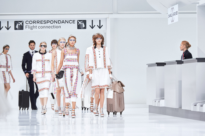 chanel-airlines-spring-summer-2016-ready-to-wear-finale.jpg