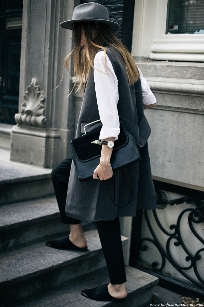 Flat-mules-minimal-masculine-outfit-white-shirt-trends-2016.jpg