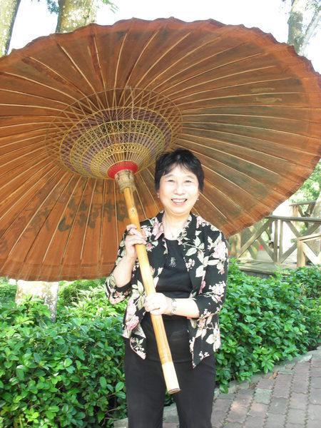 哇~好大的油紙傘