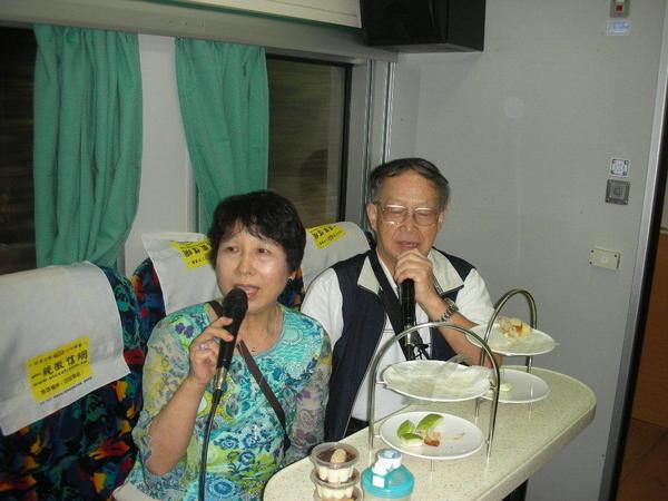 爺爺奶奶~這裡也有日文歌唷~