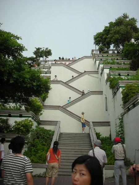 領事館這個樓梯~根本就是先苦後樂的考驗