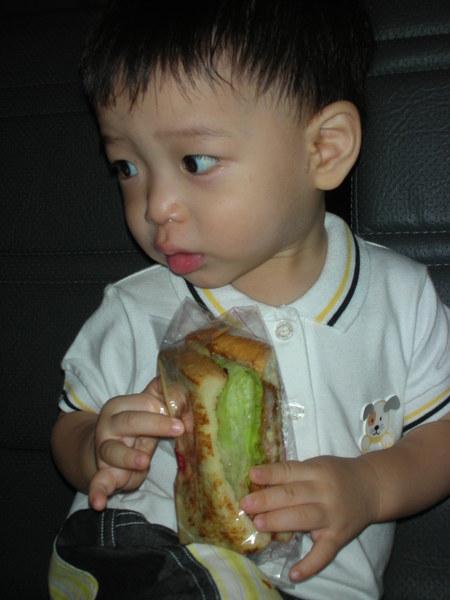 早上吃摩斯的三明治