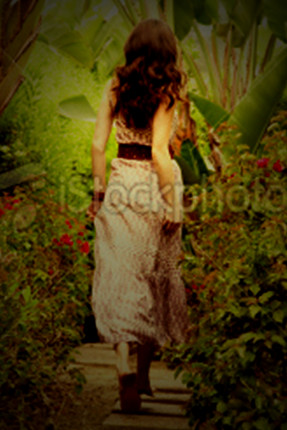 夢遊祕境的女孩(封面圖檔選項一)