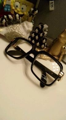 黑框眼鏡.JPG