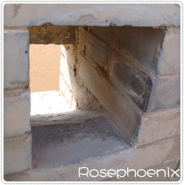 0830-城牆上的牆眼 (弓箭用).jpg