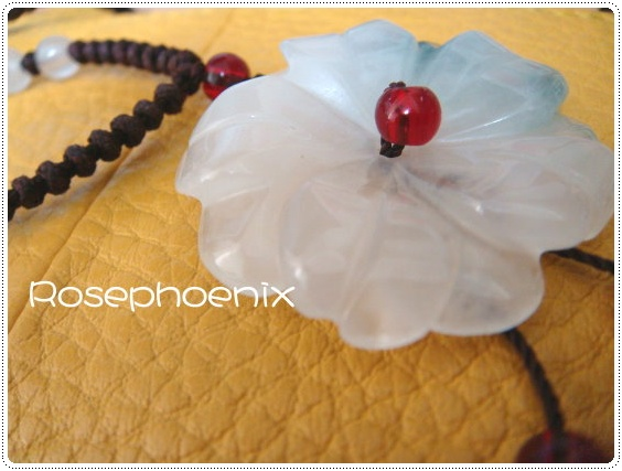 0901-小蕾送我的花型玉珮.JPG