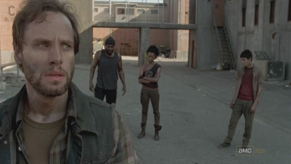 行尸走肉.The.Walking.Dead.S03E09.Chi_Eng.HDTVrip.1024X576.x264-YYeTs人人影视[10-52-30]
