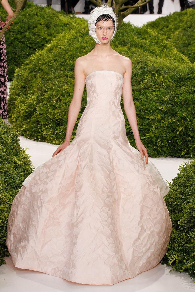 Jennifer-Lawrence-2013-Oscars-in-Christian-Dior-spring-2013