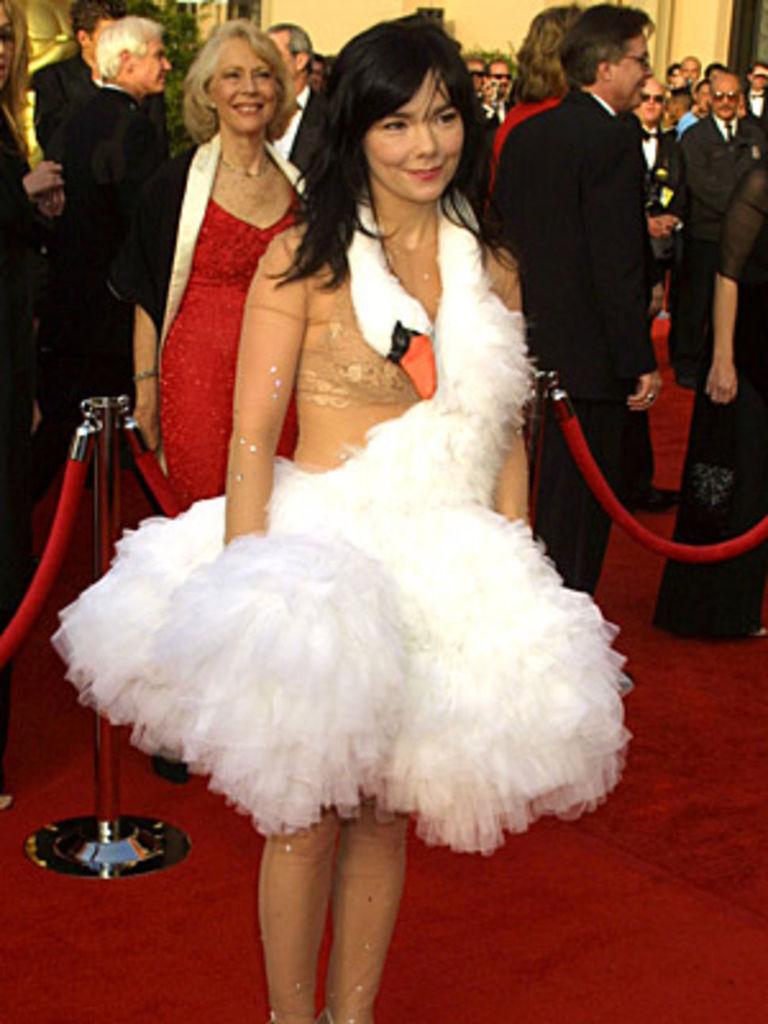 most_memorable_oscar_dresses
