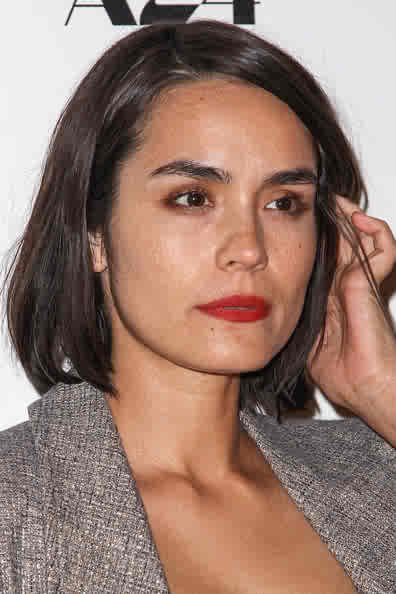 shannyn-sossamon-2013-premiere-of-a24s-a-glimpse-inside-the-mind-of-charles-swan-III-photo-4.jpg