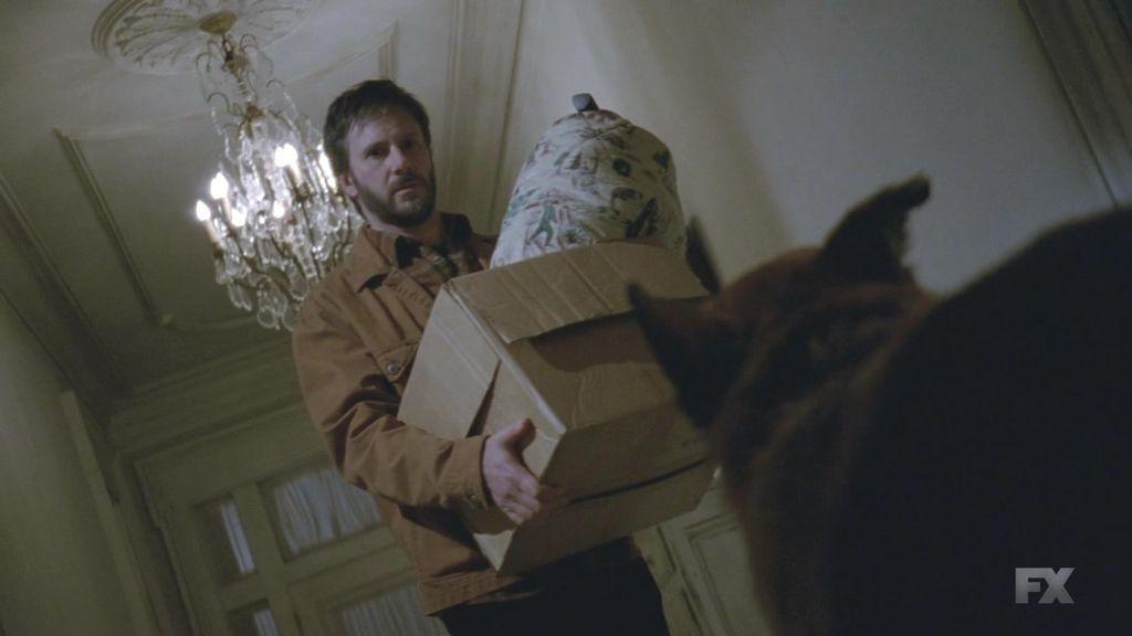 American.Horror.Story.S03E09.720p.HDTV.x264-IMMERSE.mkv_20131216_050651.690.jpg