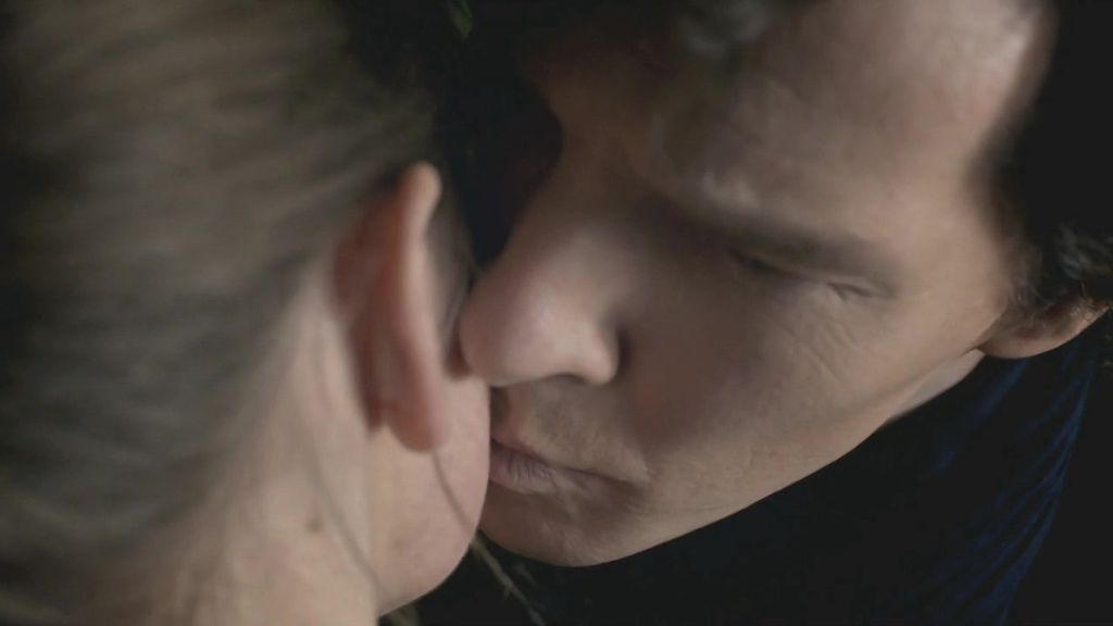 sherlock.3x01.the_empty_hearse.720p_hdtv_x264-fov.mkv_20140103_080145.629.jpg