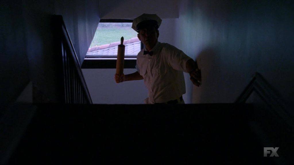 American.Horror.Story.S04E01.720p.HDTV.X264-DIMENSION.mkv_20141009_193715.125.jpg