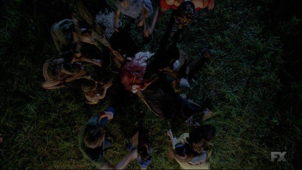 American.Horror.Story.S04E01.720p.HDTV.X264-DIMENSION.mkv_20141009_210048.125.jpg