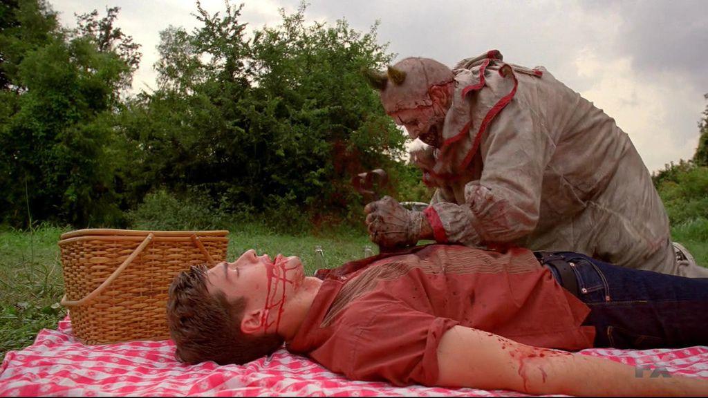 American.Horror.Story.S04E01.720p.HDTV.X264-DIMENSION.mkv_20141010_020852.656.jpg