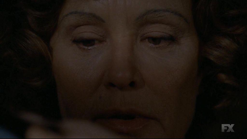 American.Horror.Story.S04E02.720p.HDTV.X264-DIMENSION.mkv_20141017_090712.031.jpg