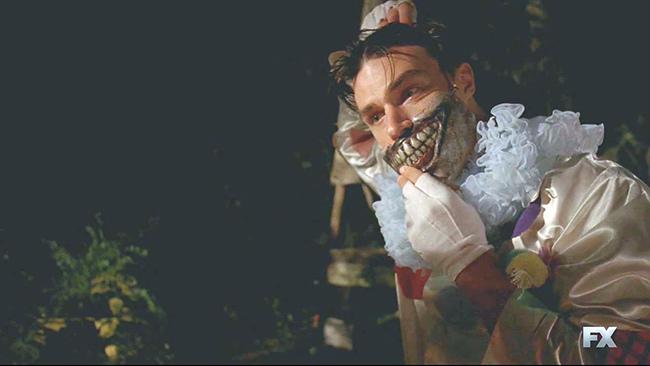American.Horror.Story.S04E04.720p.HDTV.X264-DIMENSION.mkv_20141101_182454.734.jpg
