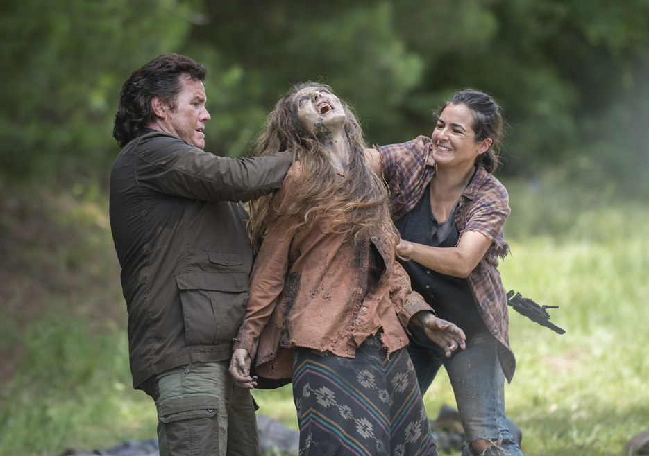 the-walking-dead-episode-505-eugene-mcdermitt-tara-masterson.jpg