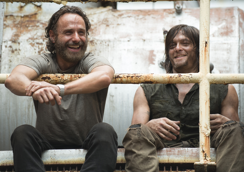 the-walking-dead-episode-507-bts-rick-lincoln-daryl-reed_002.jpg